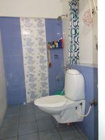 13J1U00004: Bathroom 2