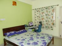 13J1U00004: Bedroom 2