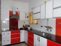 13J1U00004: Kitchen 1
