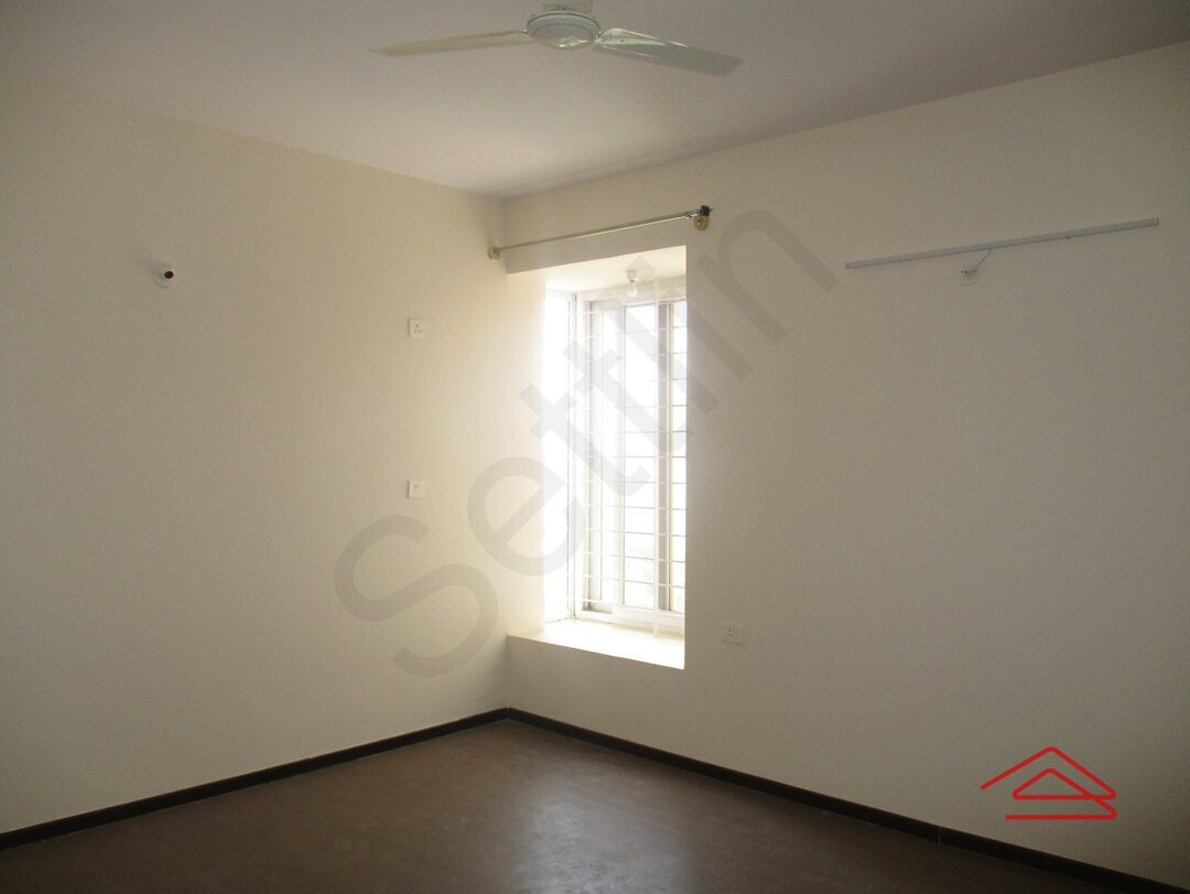 15A4U00340: Bedroom 1