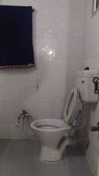 11DCU00056: Bathroom 2