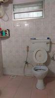 11DCU00056: Bathroom 1