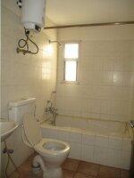 15J1U00123: Bathroom 2