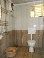 13M3U00161: Bathroom 1