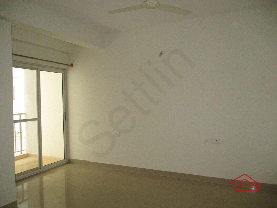 15M3U00244: Bedroom 1