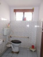 12J6U00124: Bathroom 1