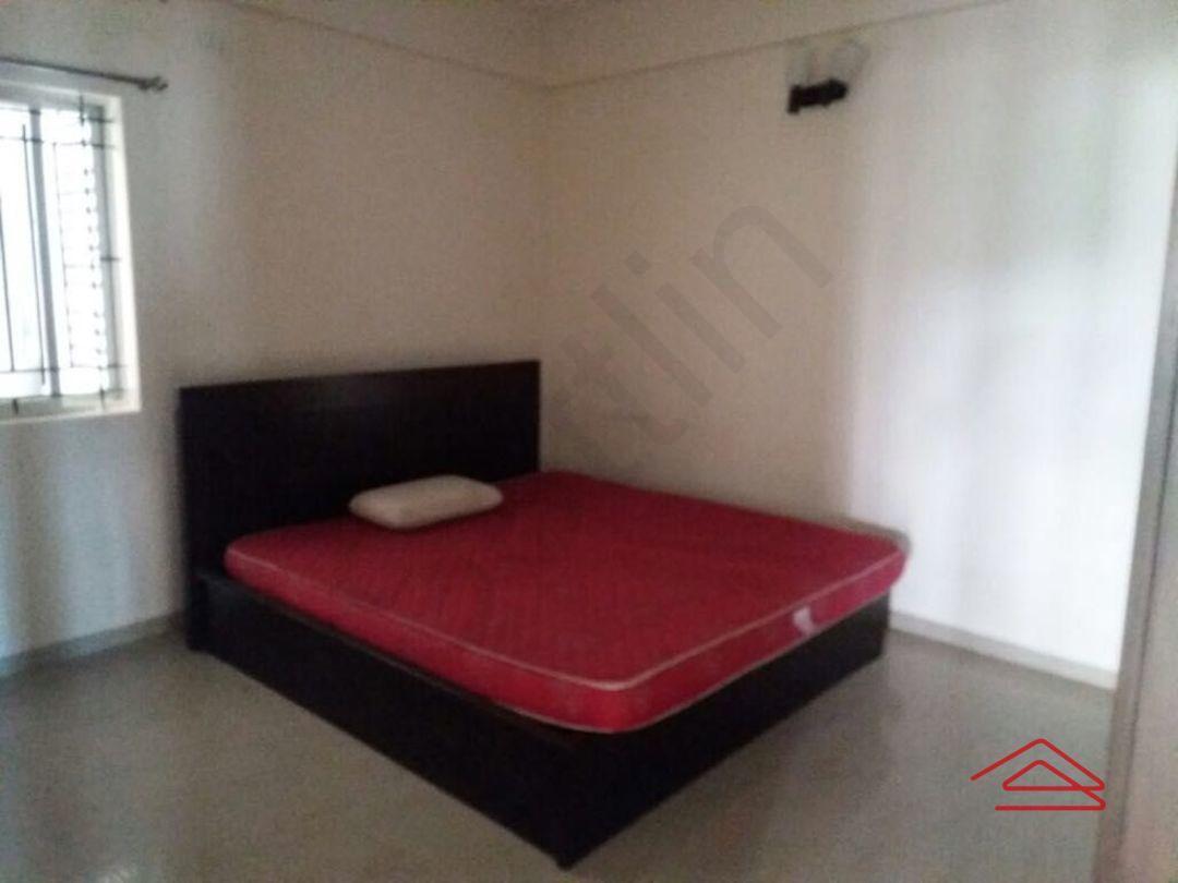 12A8U00343: Bedroom 1