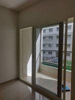 13J7U00451: Balcony 1
