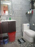 15J1U00233: Bathroom 1
