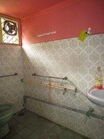 14A4U00124: bathroom 1