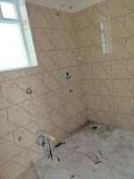 15J1U00537: Bathroom 1