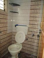 Floor 4 Unit 1: Bathroom 1