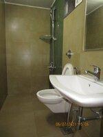 15J7U00015: Bathroom 2