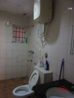 13J7U00017: Bathroom 2