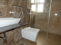 12NBU00208: Bathroom 1