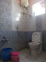 13A4U00130: Bathroom 1