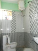 13A4U00130: Bathroom 2