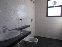 12NBU00138: Bathroom 1