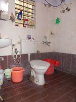 13J1U00094: Bathroom 2