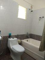 11OAU00115: Bathroom 1