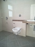 12S9U00089: Bathroom 2