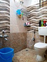 13J7U00050: Bathroom 1
