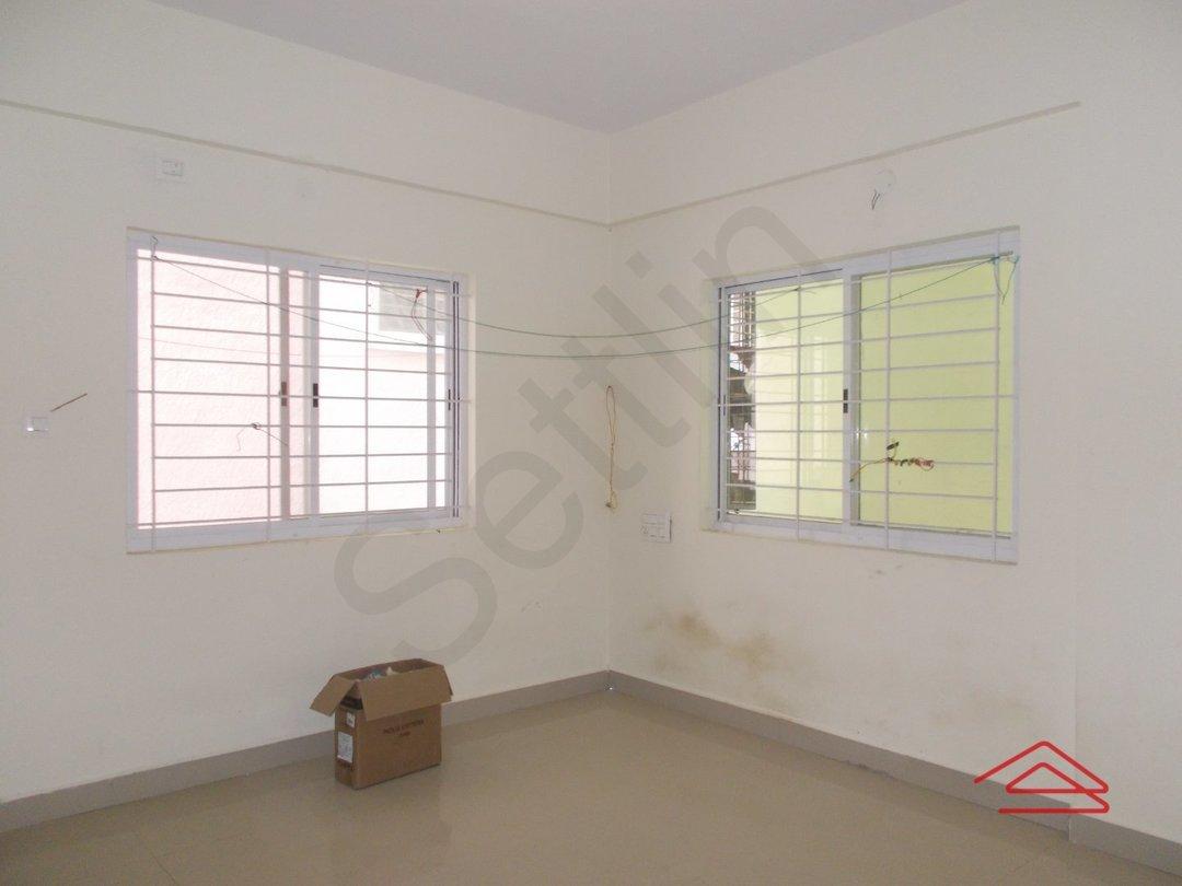 13DCU00372: Bedroom 1