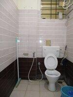 14DCU00220: Bathroom 1