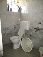 14DCU00220: Bathroom 2