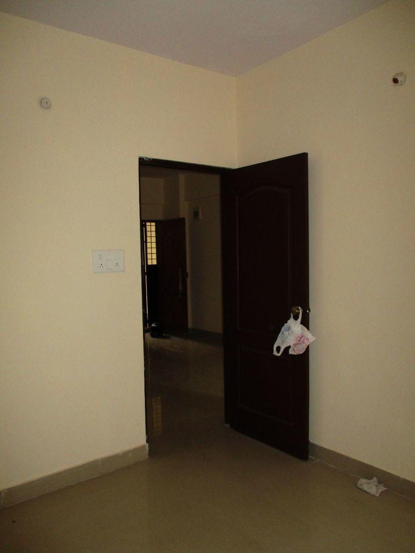 10J7U00250: Bedroom 1