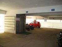 10J7U00250: parking 1