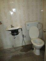 15J1U00355: Bathroom 3