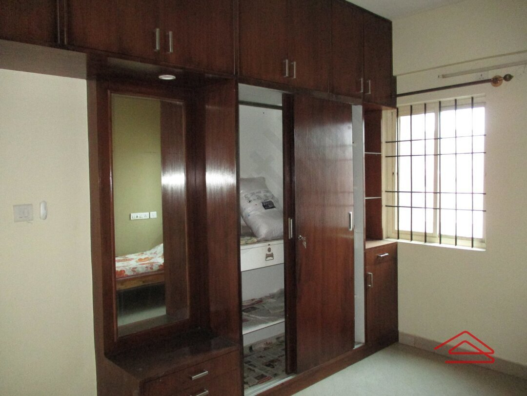 15J1U00355: Bedroom 1