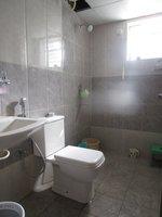 13NBU00116: Bathroom 1