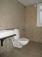 15J7U00329: Bathroom 1