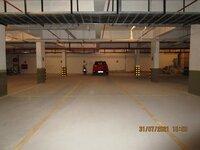 15J7U00329: parkings 1