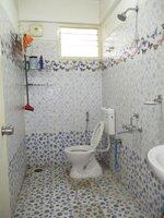 15J7U00181: Bathroom 2