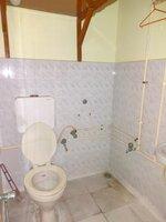 15F2U00244: Bathroom 1