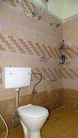 15S9U00470: Bathroom 1