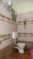 15S9U00470: Bathroom 2