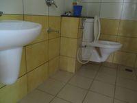 12J7U00379: Bathroom 1