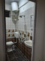 Sub Unit 15J6U00044: bathrooms 1