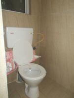 13J6U00394: Bathroom 4
