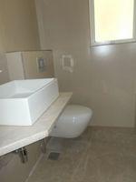 13J6U00394: Bathroom 1