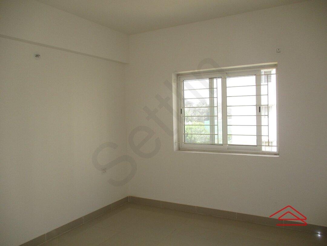 14S9U00027: Bedroom 1