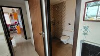 15A4U00211: Bathroom 1