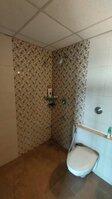 15A4U00211: Bathroom 2