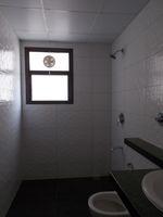 13M3U00065: Bathroom 3