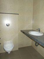 13M3U00065: Bathroom 1
