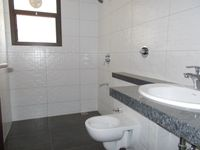 13M3U00065: Bathroom 2